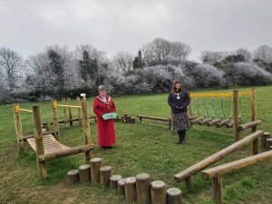 MAYOR FORMALLY OPENS CASTLE FIELDS TIMBER TRAIL